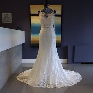 Jasmine Collection Lacy Wedding Gown size 6